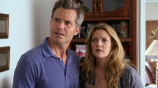 TIMOTHY OLYPHANT and DREW BARRYMORE (Santa Clarita Diet)